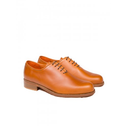 Zapato Mod: 252, para polaina cuero viejo con cordones suela goma