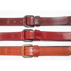 Cinturón artesanal de piel.