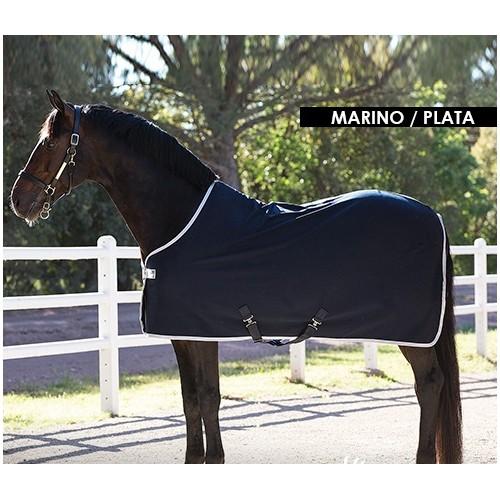 Manta de secado para caballo.